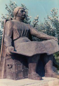 Ρήγας Φεραίος, 1985, μπρούτζος, πλατεία Ρήγα Φεραίου, Βόλος