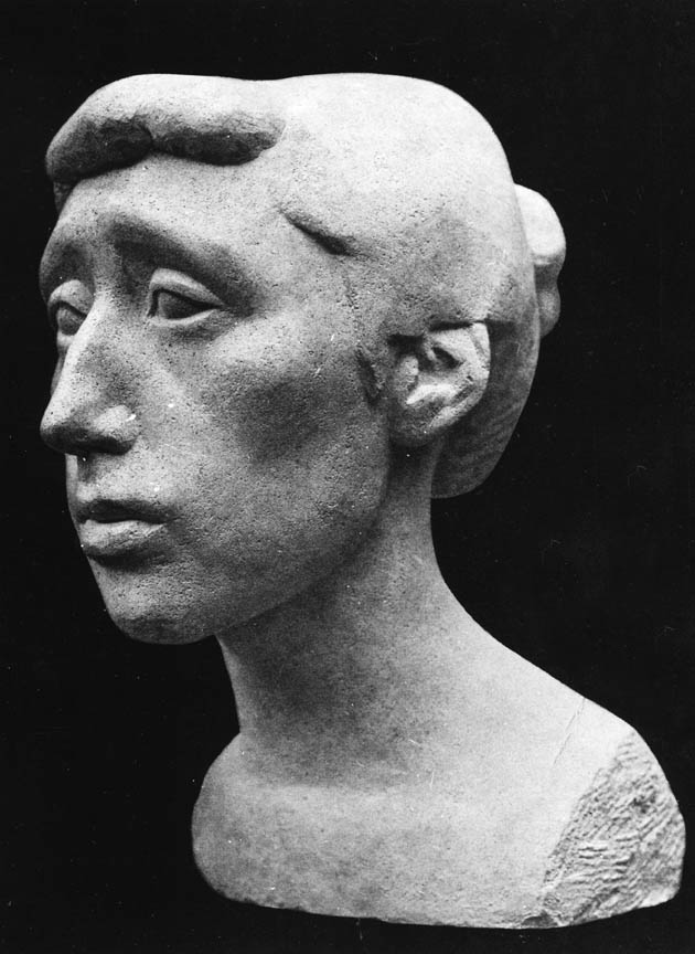 Προτομή της ζωγράφου Ζιζής Μακρή, 1948, πέτρα, ύψος 40 εκ., ιδιωτική συλλογή, Παρίσι
