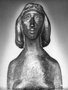 Προτομή της ζωγράφου Ζιζής Μακρή, 1950, μπρούτζος, ύψος 65 εκ., ιδιωτική συλλογή, Αθήνα