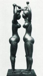 Μπροστά στον καθρέφτη, 1968, σφυρήλατος χαλκός, ύψος 200 εκ., ιδιωτική συλλογή, Αθήνα