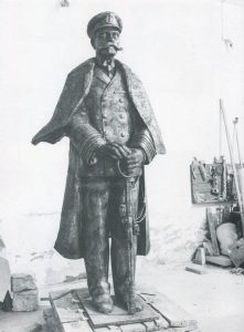 Ο ναύαρχος Παύλος Κουντουριώτης, 1986, μπρούτζος, Άλσος Ναυτικής Παράδοσης στο φαληρικό δέλτα, Παλαιό Φάληρο